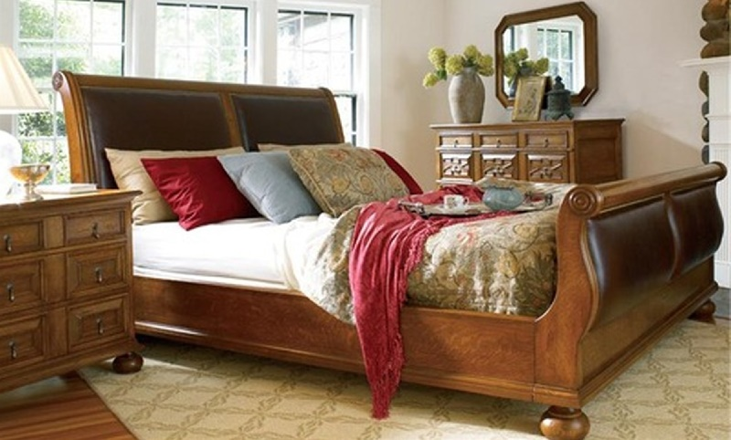 Кровать в колониальном стиле